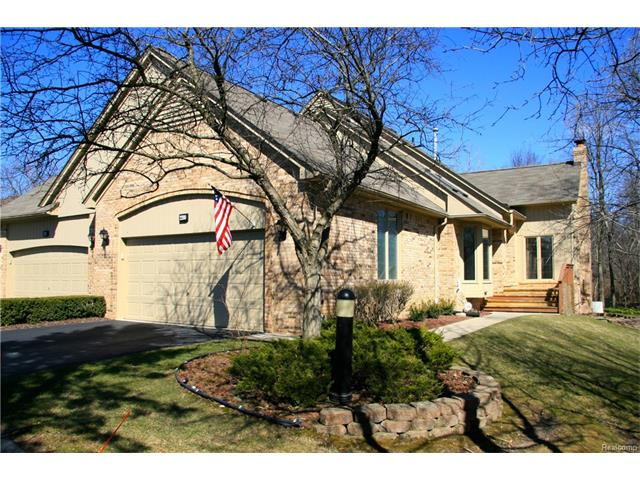 2200 ELM Circle, Shelby Twp, MI 48316