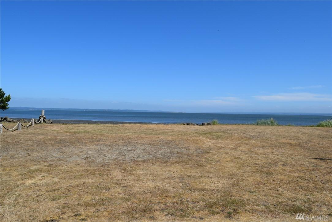 876 Mt St Helens Lp, Ocean Shores, WA 98569