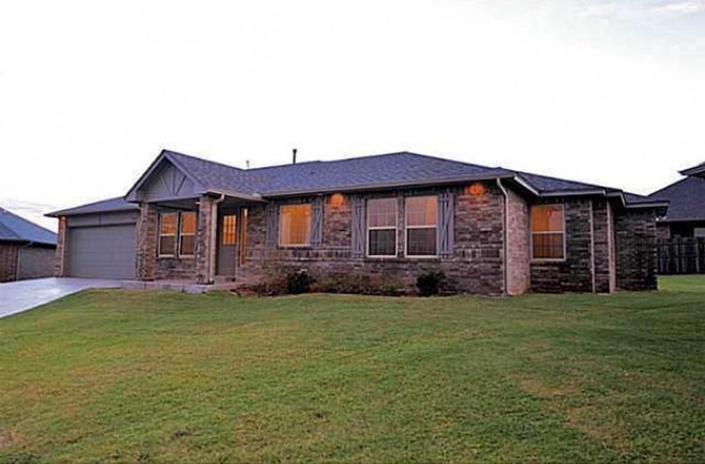 7013 Cherokee Landing, Warr Acres, OK 73132