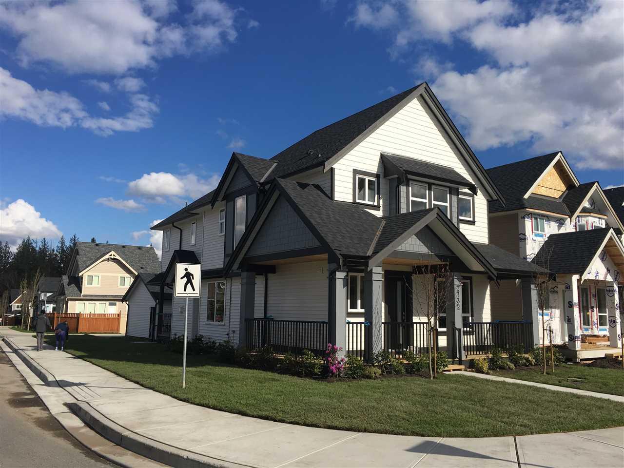 7732 211 STREET, Langley, BC v2y 0w5