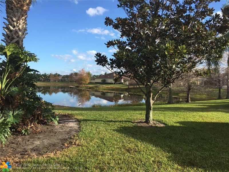 5131 Magnolia Bay Cir, Palm Beach Gardens, FL 33418