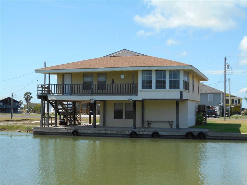 199 Sailfish Dr, Rockport, TX 78382