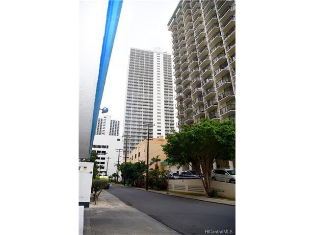 2463 Kuhio Avenue #305, Honolulu, HI 96815
