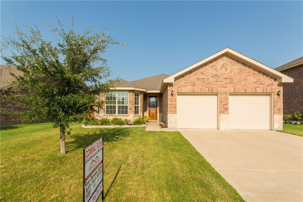 933 John Kennedy Drive, Saginaw, TX 76179