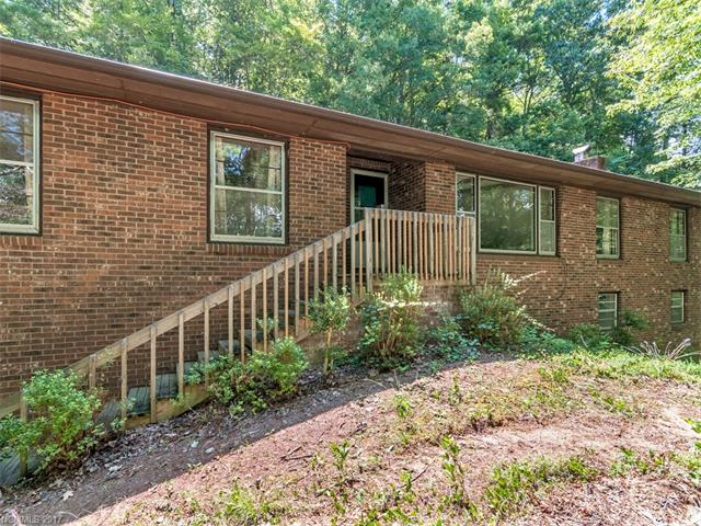 137 Flynn Branch Road, Asheville, NC 28804