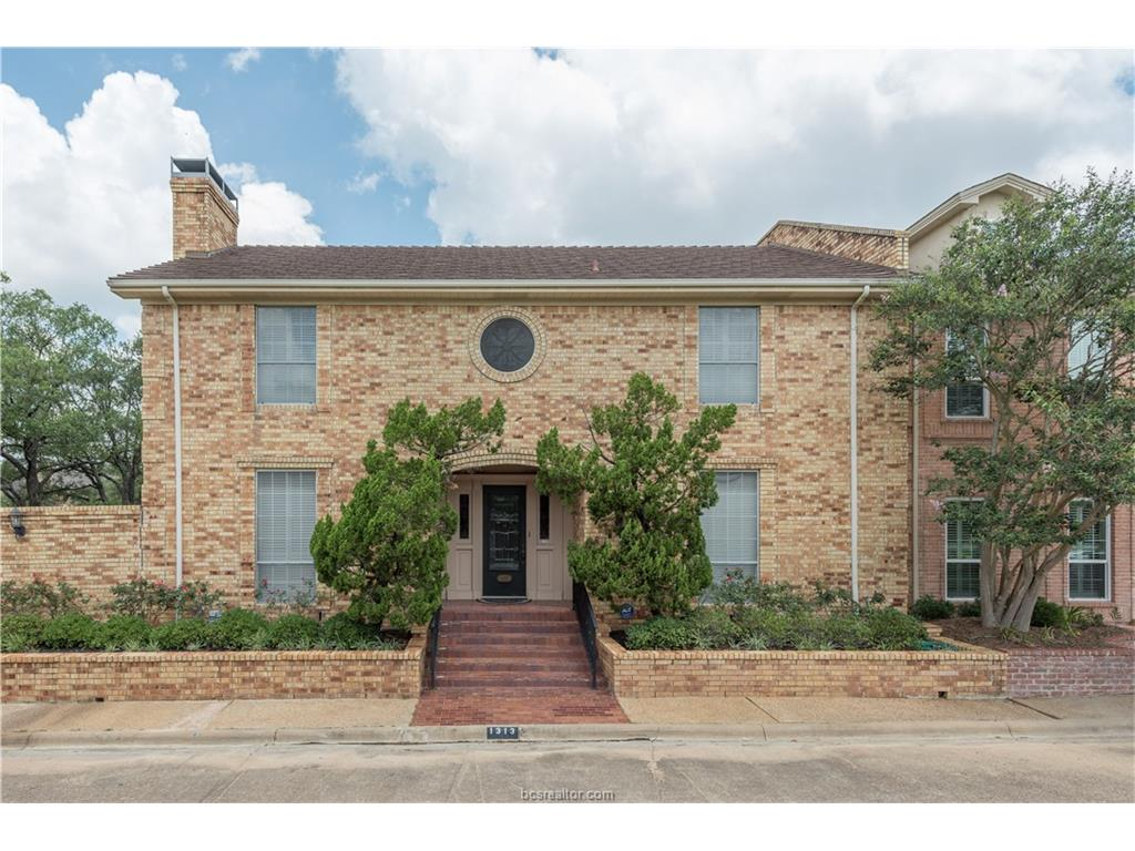 1313 Brook Hollow Way, Bryan, TX 77802