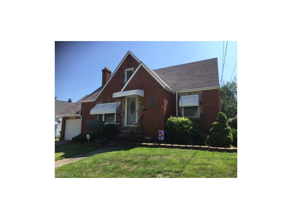 1529 Harding Dr, Wickliffe, OH 44092