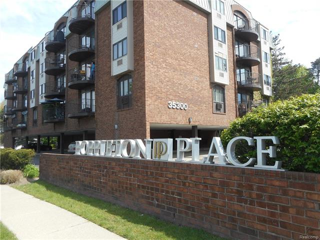 35300 WOODWARD Avenue 202, Birmingham, MI 48009
