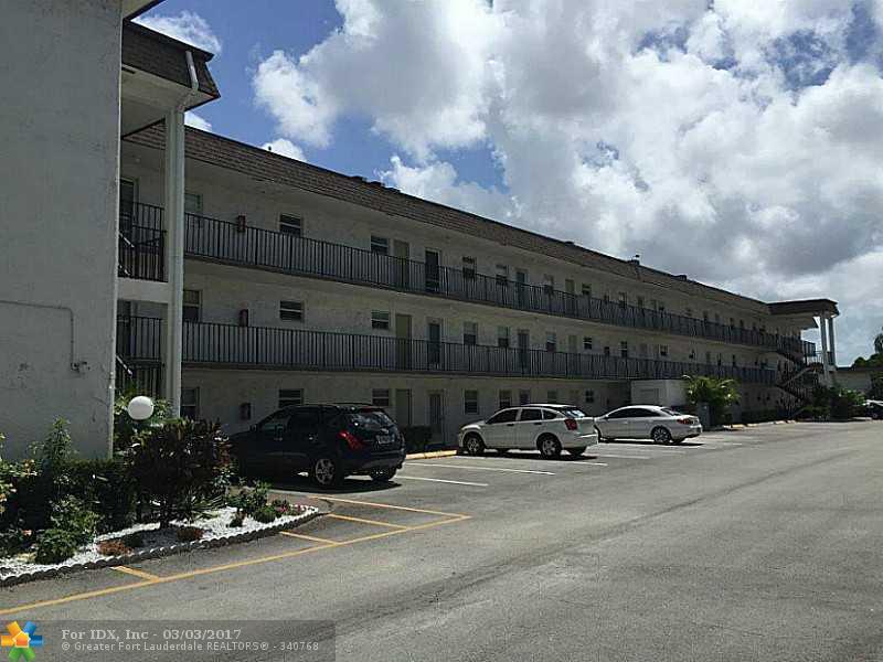 725 Lori Dr 404, Palm Springs, FL 33461