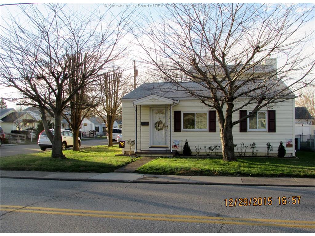 225 Walnut Street, Saint Albans, WV 25177
