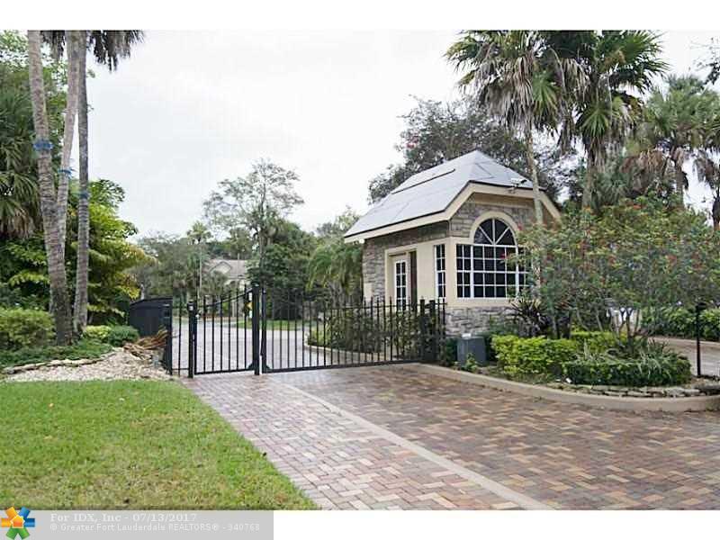 3788 Lancewood Dr, Coral Springs, FL 33065