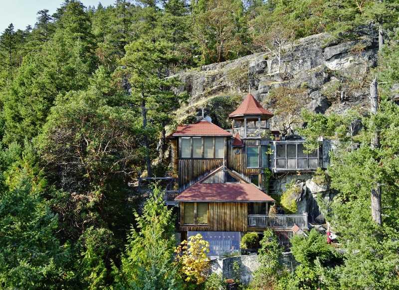 4885 HOTEL LAKE ROAD, Garden Bay, BC V0N 1S1