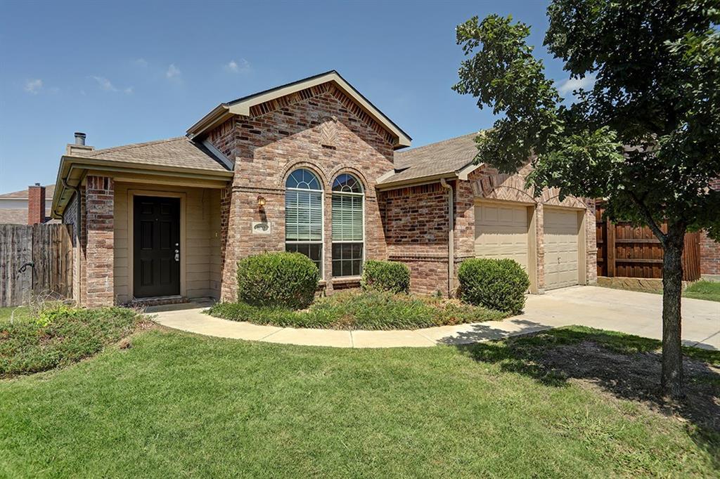1612 Swan Court, Aubrey, TX 76227
