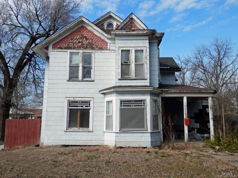 724 W Ash Street, Salina, KS 67401