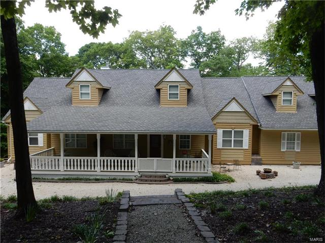 575 Fairfield Valley Road, St Albans, MO 63073