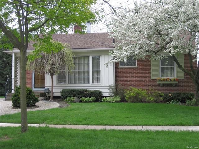 1250 Villa RD, Birmingham, MI 48009