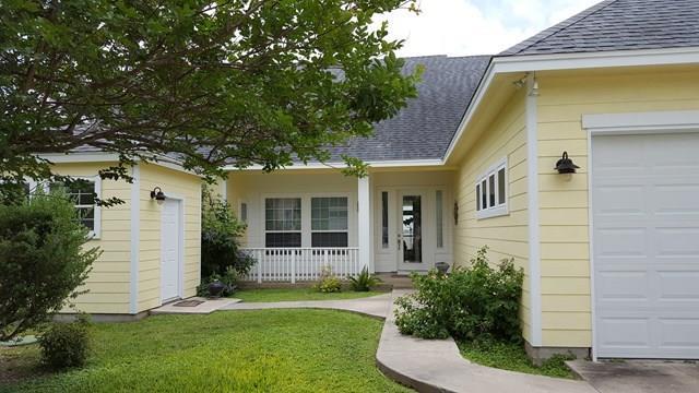 451 Copano Ridge Rd, Rockport, TX 78382