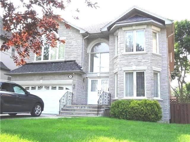 200 Elmwood Ave, Toronto, ON M2N 3M6