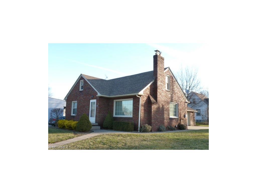 318 Center St, Struthers, OH 44471