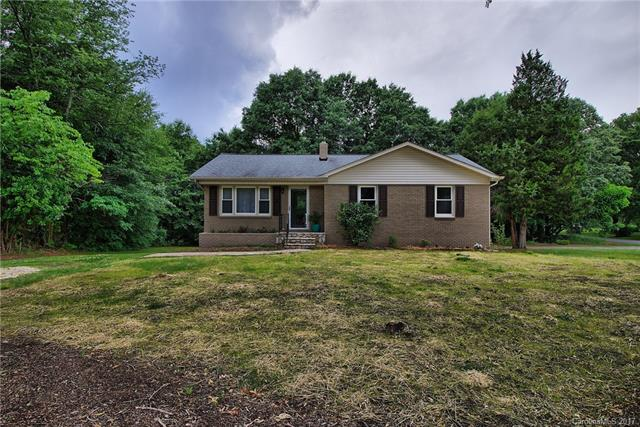 136 Lakeview Road, Cherryville, NC 28021