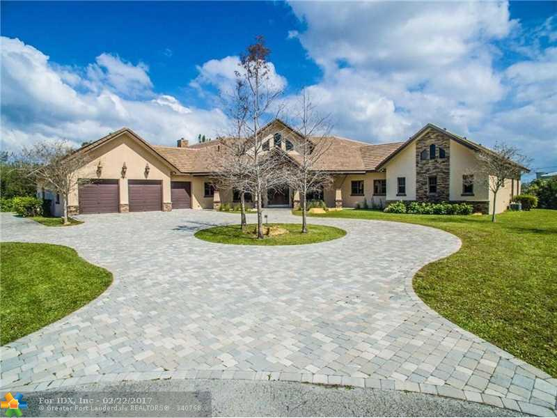 9401 NW 44th Pl, Coral Springs, FL 33065
