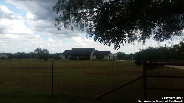 149 LEISSNER SCHOOL RD, Seguin, TX 78155