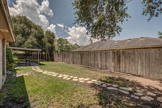 2329 Woodway Dr
