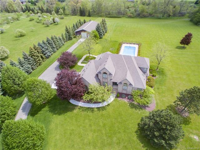 67380 QUAIL Ridge, Washington Twp, MI 48095