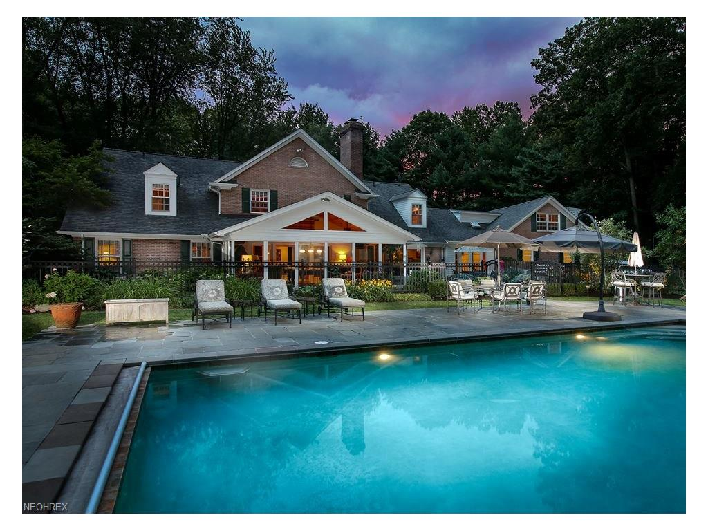 679 Chagrin River Rd, Gates Mills, OH 44040