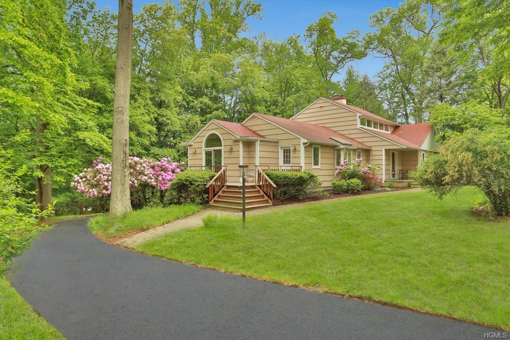 346 Deer Track Lane, Valley Cottage, NY 10989