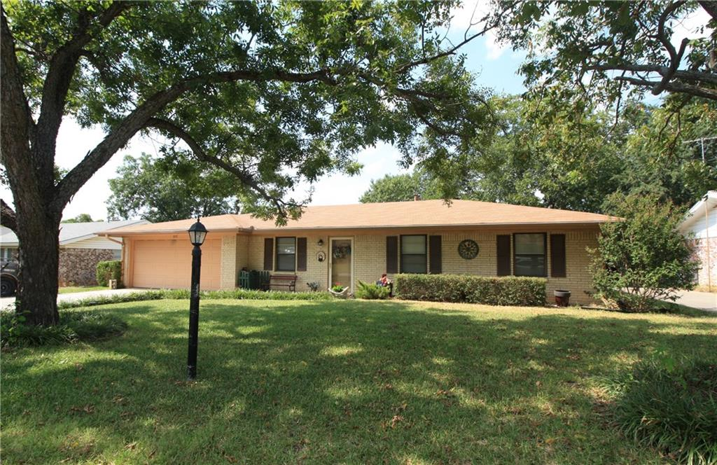 607 E Anderson Street, Weatherford, TX 76086
