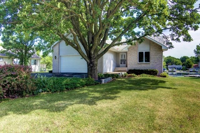 1212 NW Candlewick Drive, POPLAR GROVE, IL 61065