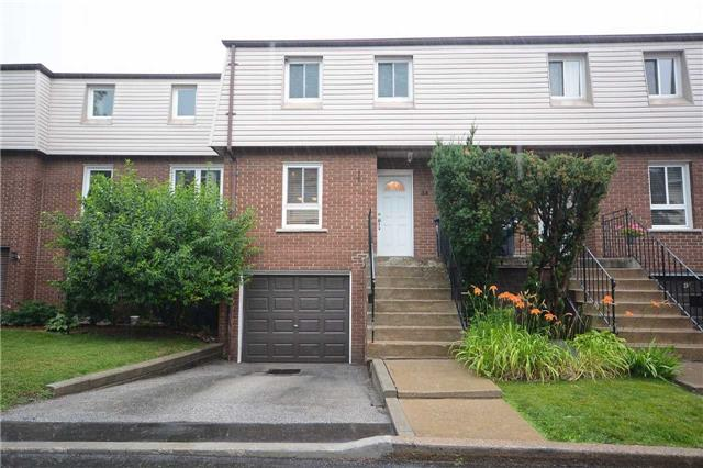 3175 Kirwin Ave 44, Mississauga, ON L5A 3M4