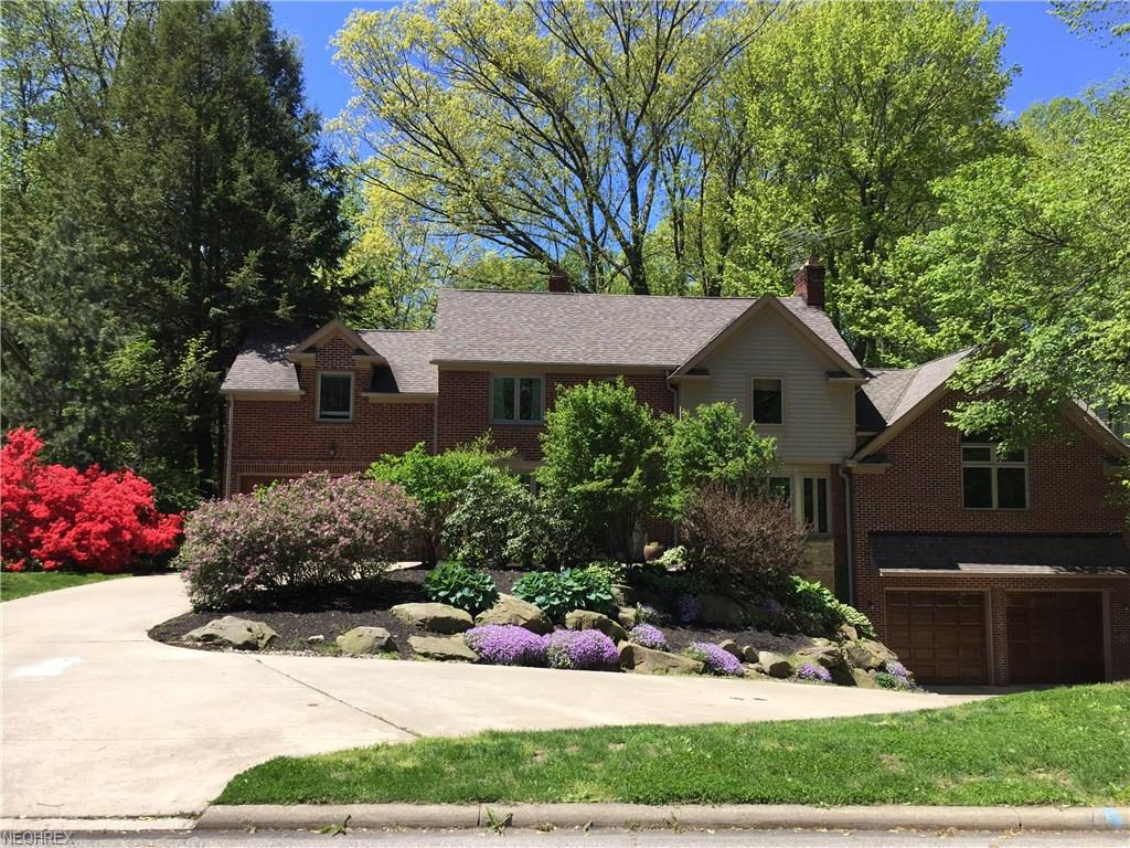 440 Parklawn Dr, Rocky River, OH 44116