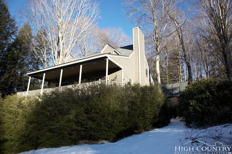 17 Woods Lane, Banner Elk, NC 28604