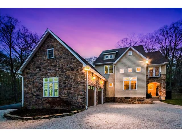 102 Whittlesey Road, Woodbury, CT 06798
