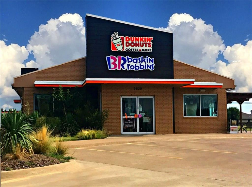 9629 White Settlement Road, Fort Worth, TX 76108