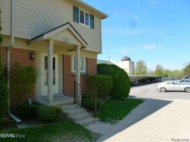 2188 ORCHARD CREST, shelby twp, MI 48317