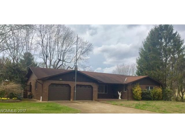 369 Pace Road, Hendersonville, NC 28792