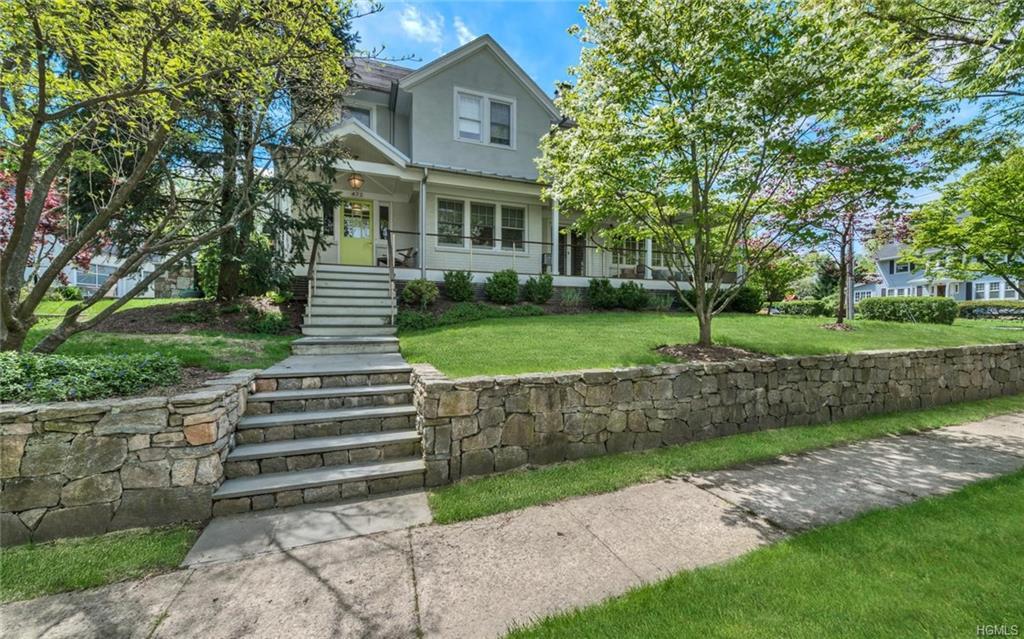 472 Manor Lane, Pelham, NY 10803
