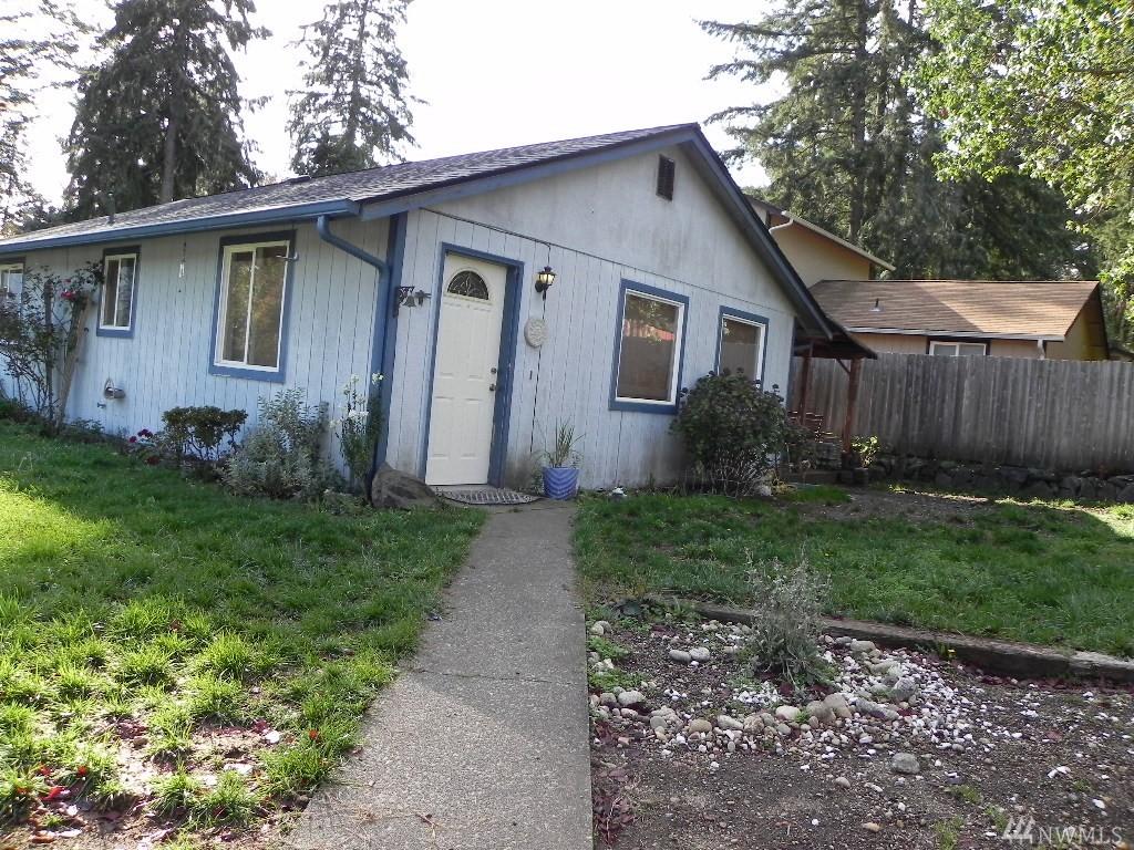 390 NE Schooner Lp, Belfair, WA 98528