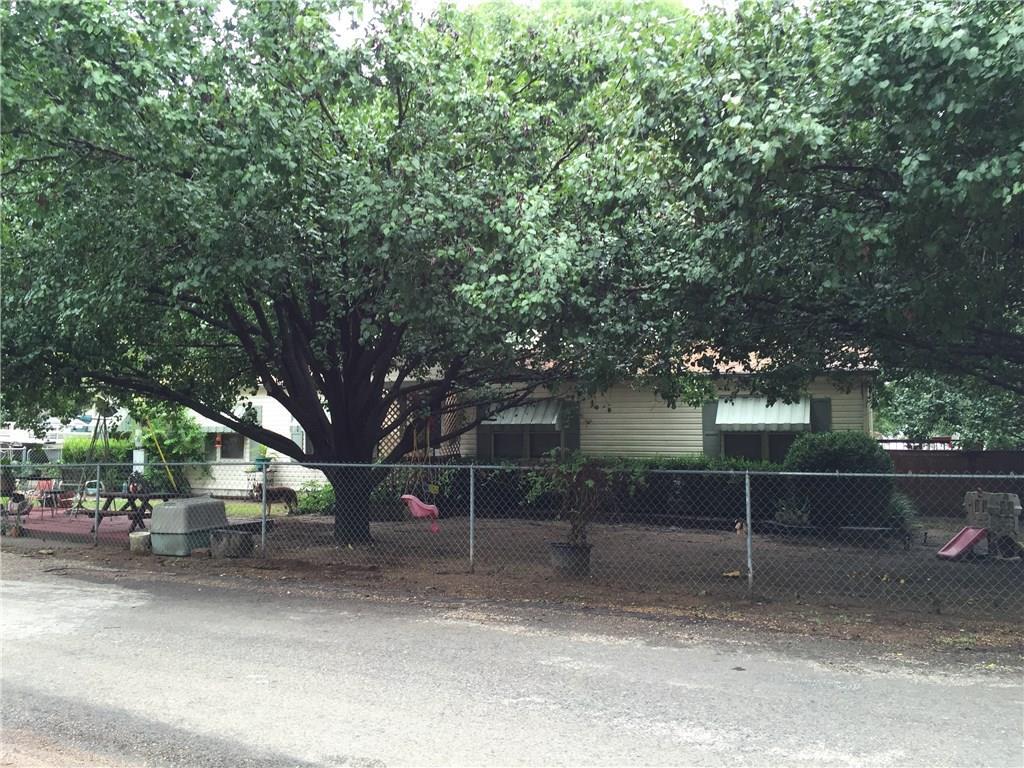 120 Oak Hills Drive, Mabank, TX 75156