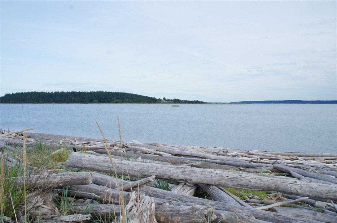 Bayshore Dr, Oak Harbor, WA 98277