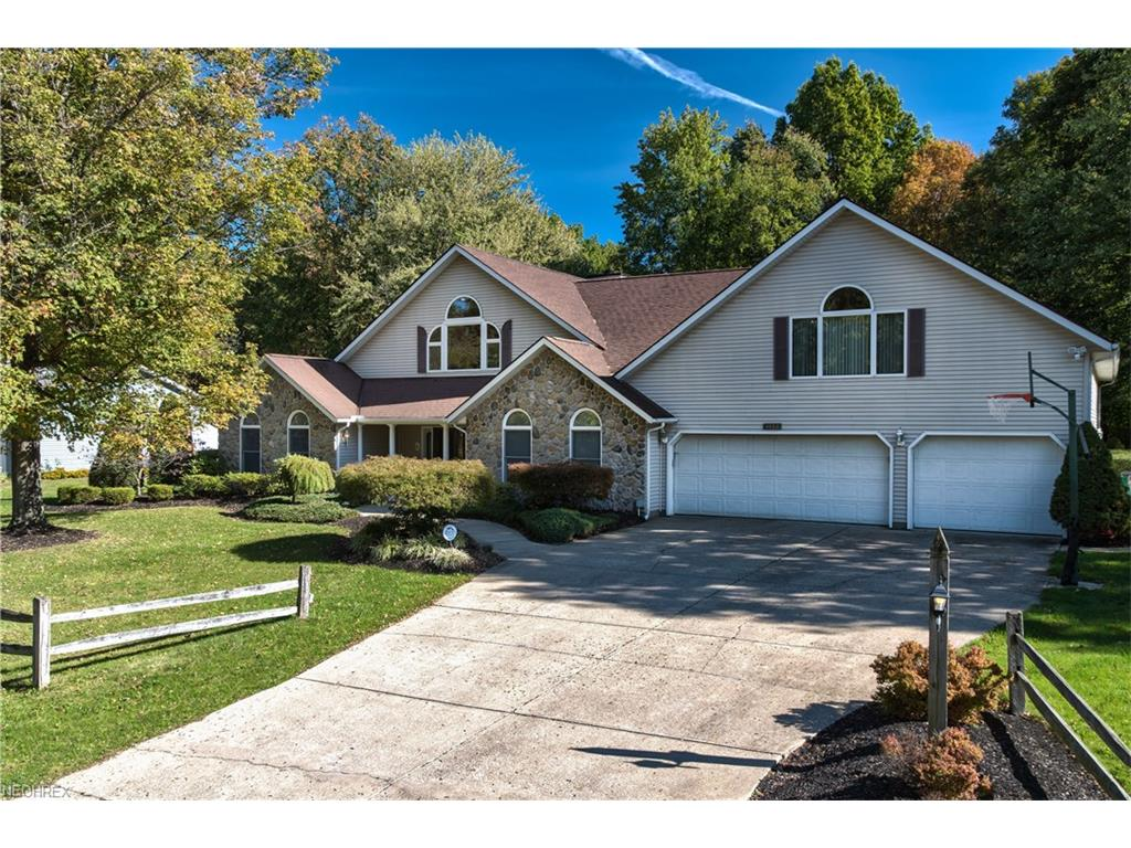 4400 Oakbrook Dr, Perry, OH 44081