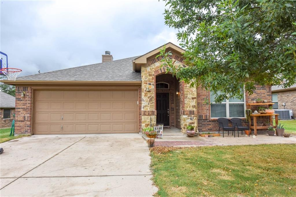 327 Cactus Valley, Stephenville, TX 76401