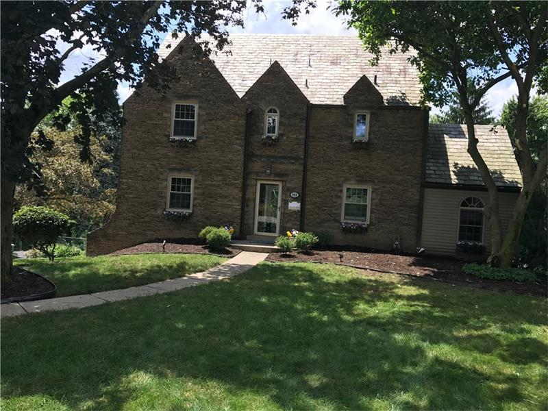998 Summer Pl, Pittsburgh, PA 15243