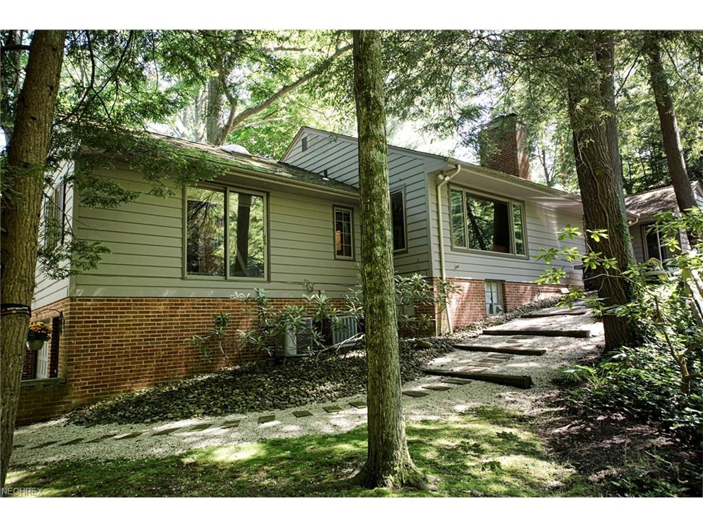 47000 S Woodland Rd, Hunting Valley, OH 44022