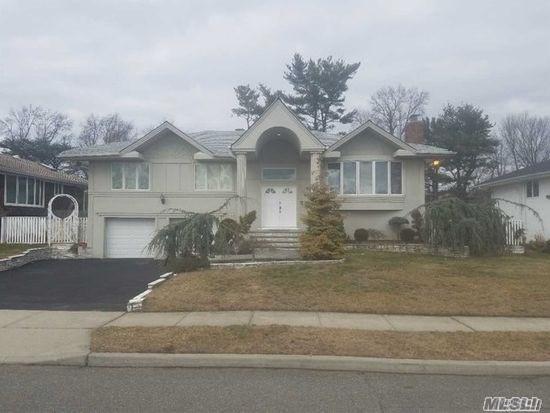 259 Robby Ln, Manhasset Hills, NY 11040