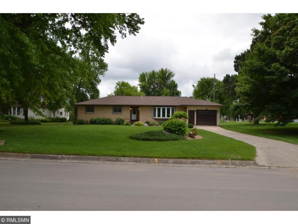 420 Birch Avenue W, Hector, MN 55342