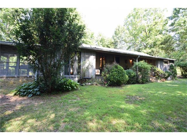 485 Trotting Horse Lane, Green Mountain, NC 28740